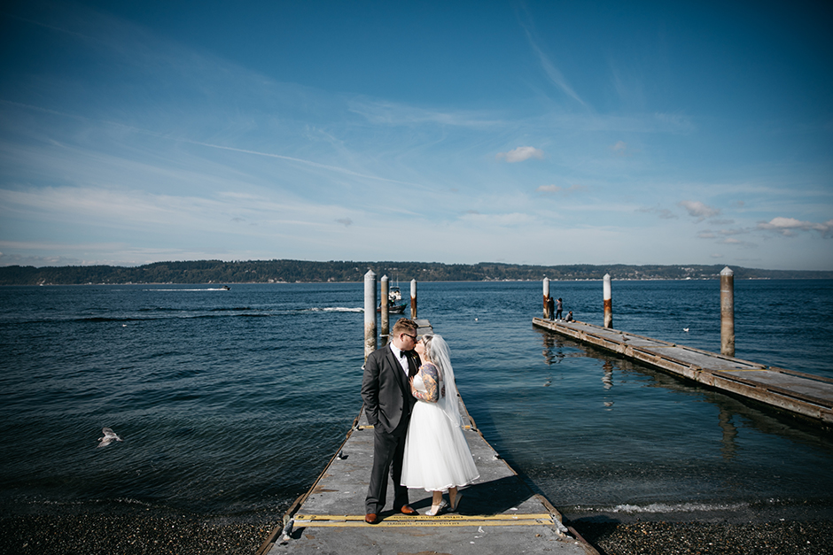 mukilteo beach bride and groom