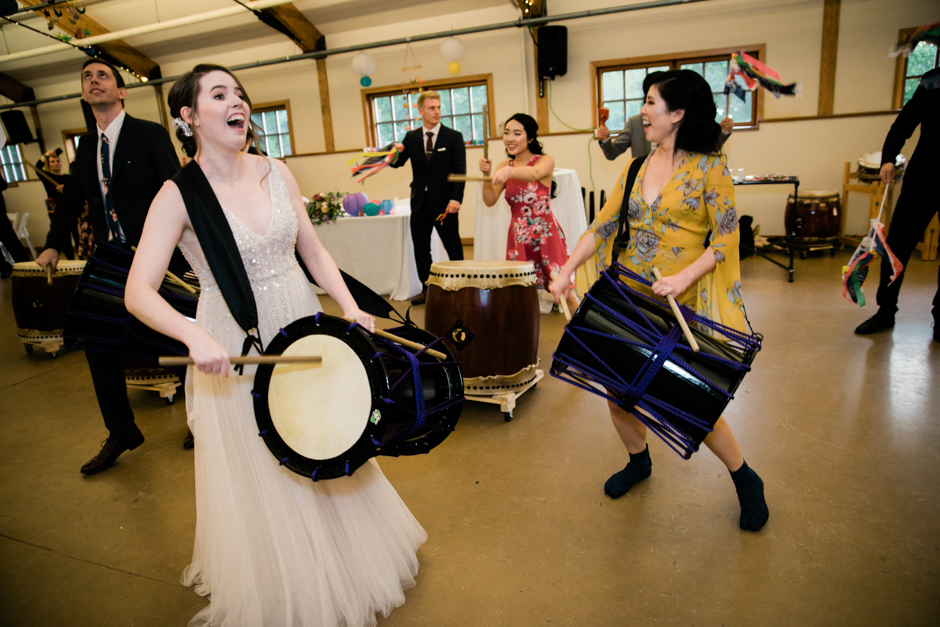 bride taiko drumming