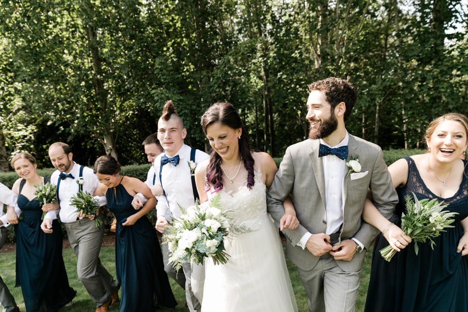 wedding party outdoor at cedarbrook lodge wedding