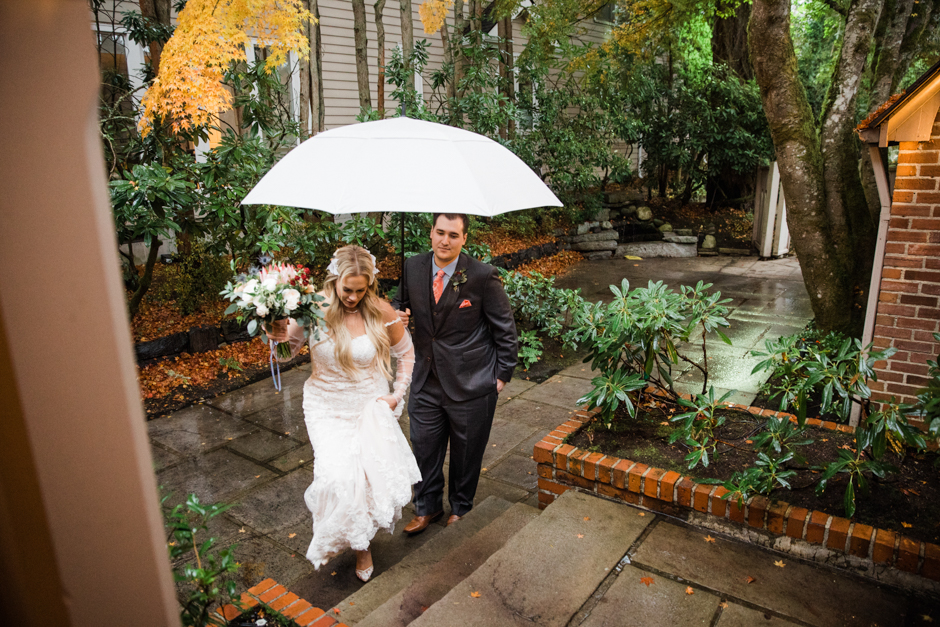 Tacoma wedding couple with umbrella