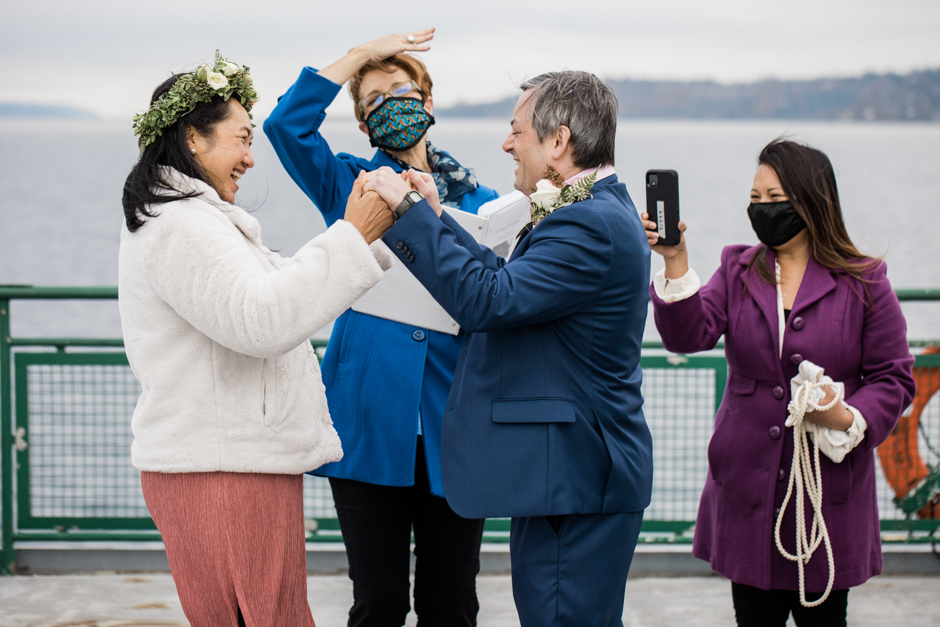 Eloping in Seattle on the water