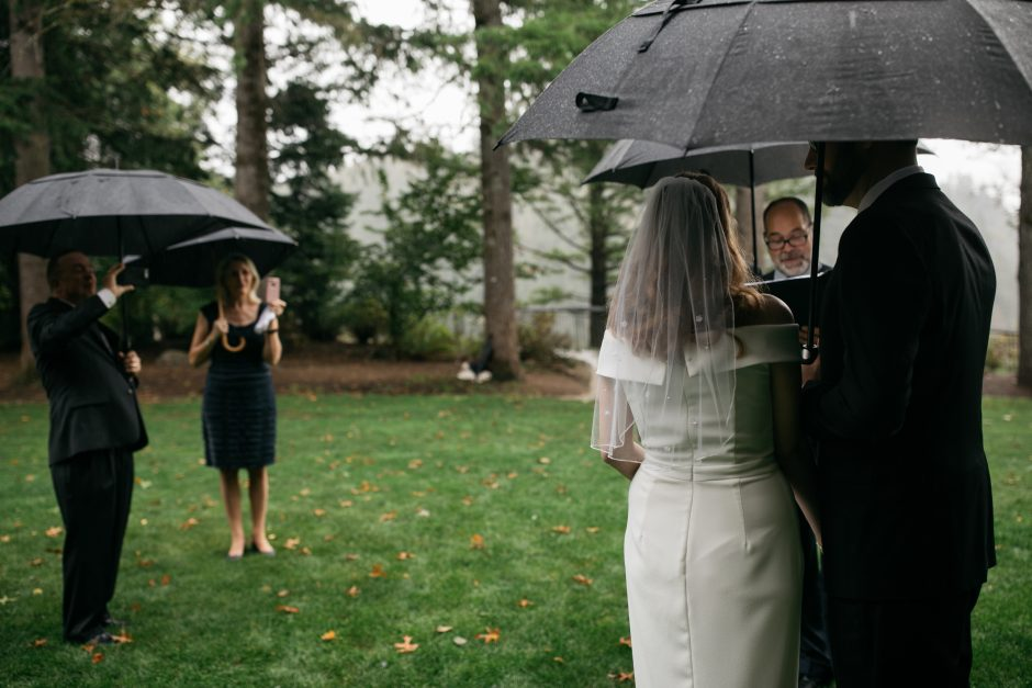 Rainy Seattle backyard elopement