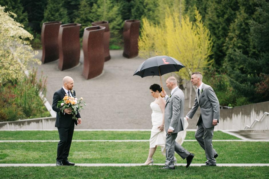 rainy elopement at Olympic Sculpture Park
